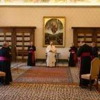 Papa Francesco: la preghiera è vitale
