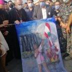 Il card. Parolin invita a non lasciar soli i libanesi