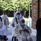 Il papa ai sacerdoti anziani: siete memoria viva