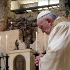 Rotto da un sito spagnolo l'embargo sulla Lettera enciclica Fratelli tutti che Papa Francesco ha firmato oggi ad Assisi, ancora prima della distribuzione ai giornalisti accreditati