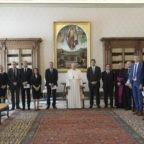 Papa Francesco: 'Il denaro deve servire'