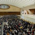 Papa Francesco: la preghiera allieva il dolore