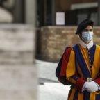 Contagio da Covid-19 nel Corpo della Guardia Pontificia. La Sala Stampa della Santa Sede conferma e menziona altre positività nello Stato della Città del Vaticano