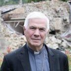 La Nuova Bussola Quotidiana: è stato Papa Francesco a fare pressione per far rinunciare Mons. Giovanni D'Ercole. Dopo le dimissioni chock spunta un'altra lettera, con 6 pagine allegate