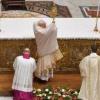 Papa Francesco al 'Te Deum' ringrazia Dio per la misericordia