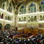 L'Ungheria modifica la costituzione e l'ovvio diventa un atto rivoluzionario: una madre è donna, un padre è uomo e una famiglia è formata da padre, madre e figli