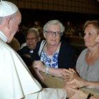 Papa Francesco conferma la tradizione delle donne nei ministeri del lettorato e dell'accolitato