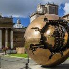 """Musei Vaticani terza chiusura in un anno. Scontro tra la gestione amministrativa e la """"Class Action"""" dei lavoratori umiliati. In alcuni casi accumulate contro volontà 400 """"ore negative"""""""
