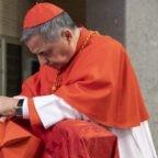 """Cosa significa il gesto del Papa, andando a concelebrare Messa a casa di Becciu, procurando al Cardinale """"una bella gioia""""?"""