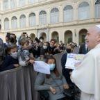 Papa Francesco ricorda l'attentato a san Giovanni Paolo II