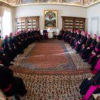 """Le Istruzioni della Congregazione per la Dottrina della Fede non fanno pace tra i vescovi americani. """"Settimo Cielo"""" presenta fatti e documenti di una guerra infinita"""