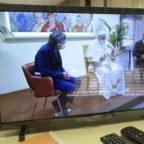 La visita di Francesco a Palazzo Pio, la consueta caciara e la petizione dei dipendenti