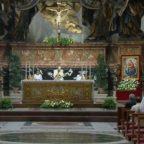 Papa Francesco: l'Eucarestia guarisce