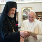 Papa Francesco al Patriarcato di Costantinopoli: superiamo la rivalità