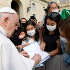 Papa Francesco: la preghiera è il respiro della vita