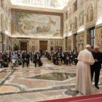 Papa Francesco contro la cultura dello scarto: aborto ed eutanasia