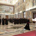 Papa Francesco ai Carmelitani Scalzi ribadisce la necessità della vita contemplativa